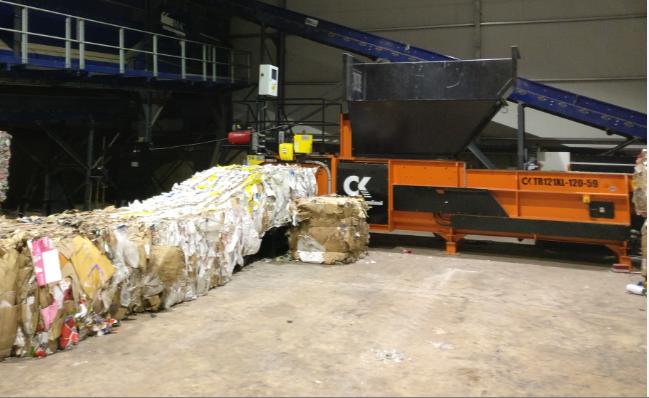 Prensa Semi-Automático de Residuos Industriales de todo tipo